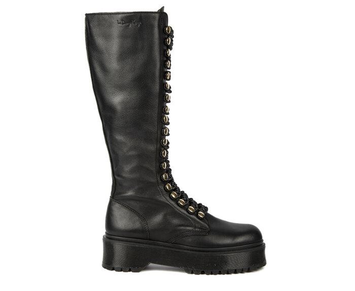victoria-tall-black-chain